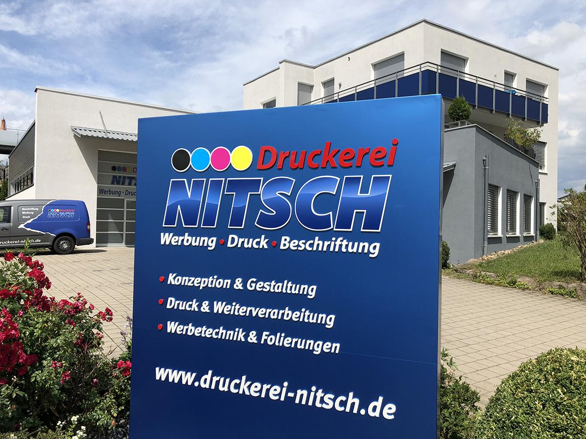 Werbetechnik in Magstadt - Druckerei Nitsch: Fahrzeugbeschriftung, Fahrzeugfolierungen, Leuchtreklame, Schilder, Folierungen